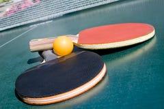 настольный теннис 2 ракеток шарика Стоковые Изображения RF