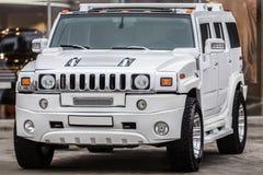 Настраивая белый автомобиль Стоковые Изображения RF