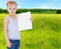 Настроение лета маленькая девочка Стоковые Фото