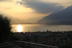 Настроение утра, восход солнца о Gravedona в озере Como Стоковое фото RF