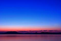 наступление ночи озера balaton стоковые изображения rf