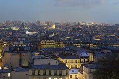 Наступление ночи в Париже стоковое изображение rf