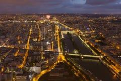 Наступление ночи в Париже стоковое фото rf