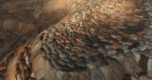 Насыпи полезных минералов Дорога на Марсе видеоматериал