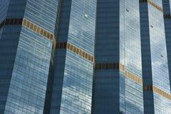 Насыщенное зеркало на здании Стоковое фото RF