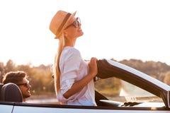 Наслаждаться солнцем и свежим воздухом стоковое изображение