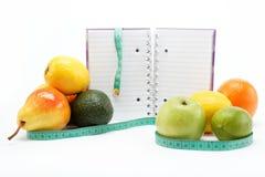 Натуральные продучты. Диетпитание. Свежие фрукты на белизне. Стоковая Фотография RF