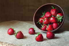Натуральные продукты питания клубники естественные здоровые стоковая фотография rf