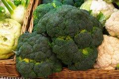 Натюрморт брокколи и цветной капусты стоковое фото