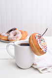 Натюрморт кофе и Donuts Стоковые Изображения