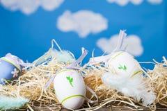 Натюрморт пасхи с пасхальными яйцами Стоковые Фотографии RF