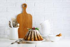 Натюрморт рождества с тортом плодоовощ стоковые фото