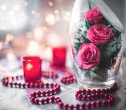 Натюрморт розы в стекле стоковые фотографии rf