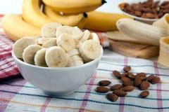 Натюрморт свежих бананов стоковая фотография