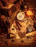 Натюрморт сокровища пиратов стоковая фотография