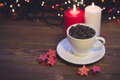 Натюрморт с кофейной чашкой и свечами Стоковое Фото