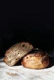 Натюрморт с свежим хлебом рож Стоковые Фото