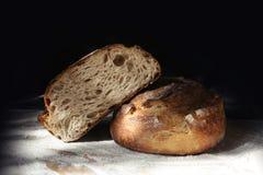 Натюрморт с свежим хлебом рож Стоковые Фотографии RF