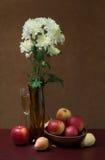 Натюрморт с хризантемами Стоковое Изображение