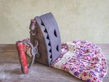 Натюрморт, утюг антиквариата Стоковая Фотография RF