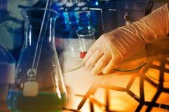 Научная лаборатория с химической темой Стоковые Изображения RF
