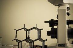 Научная лаборатория с химической темой Стоковая Фотография