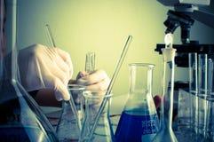 Научная лаборатория с химической темой Стоковые Изображения