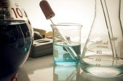 Научная лаборатория с химической темой Стоковое Изображение RF
