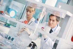 Научный работник доктора в labaratory Стоковая Фотография RF