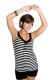 наушники девушки танцы Стоковые Фотографии RF