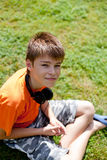 наушники мальчика немногая Стоковое Изображение RF