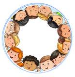 Национальности больших детей компании радостных различные в круге бесплатная иллюстрация