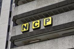 Национальный логотип автостоянок стоковые изображения