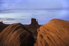Национальный парк долины памятника на сумраке стоковое фото rf