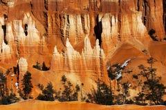 Национальный парк каньона Bryce, Юта Hoo-doos в утре Солнце стоковые фотографии rf