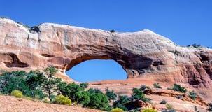 Национальный парк сводов - северное окно - Юта, США стоковые изображения
