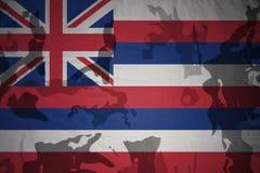 национальный флаг Гавайских островов на хаки текстуре винтовка s зеленого цвета m4a1 флага принципиальной схемы конца тела штурма Стоковые Изображения