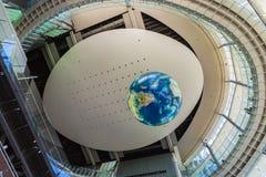Национальный музей вытекая вытекая науки и нововведения в Odaiba, токио Стоковая Фотография RF