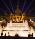 Национальный музей изобразительных искусств Каталонии, Барселоны, Испании на ноче стоковое изображение