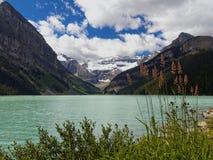 Национальный парк изумрудного Lake Louise, Banff Стоковое Изображение RF