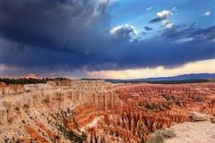 Национальный парк Юта каньона Bryce пункта воодушевленности захода солнца амфитеатра стоковые фото