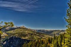 национальный парк yosemite купола половинный Стоковая Фотография