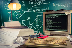 Начала компьютерных языков в школах стоковые изображения rf