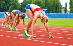 Начинать гонки женщин Стоковое Изображение