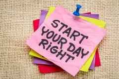 Начните ваше примечание напоминания права дня Стоковое Изображение RF