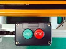 Начните и стоп дизайна кнопки переключателя установленного в управлении блока с Стоковое Изображение RF
