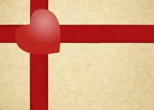 Нашивки и сердце шаблона подарочной коробки красные Стоковые Изображения RF