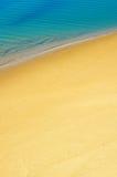над взглядом берега моря Стоковая Фотография