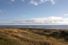 над взглядом берега моря Стоковая Фотография RF