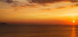 над восходом солнца моря Стоковые Фотографии RF